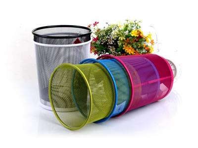 Five different colors of round expanded metal wastebasket on the white background.